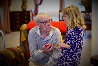 Wat is het beste hulpmiddel bij opstaan voor ouderen?